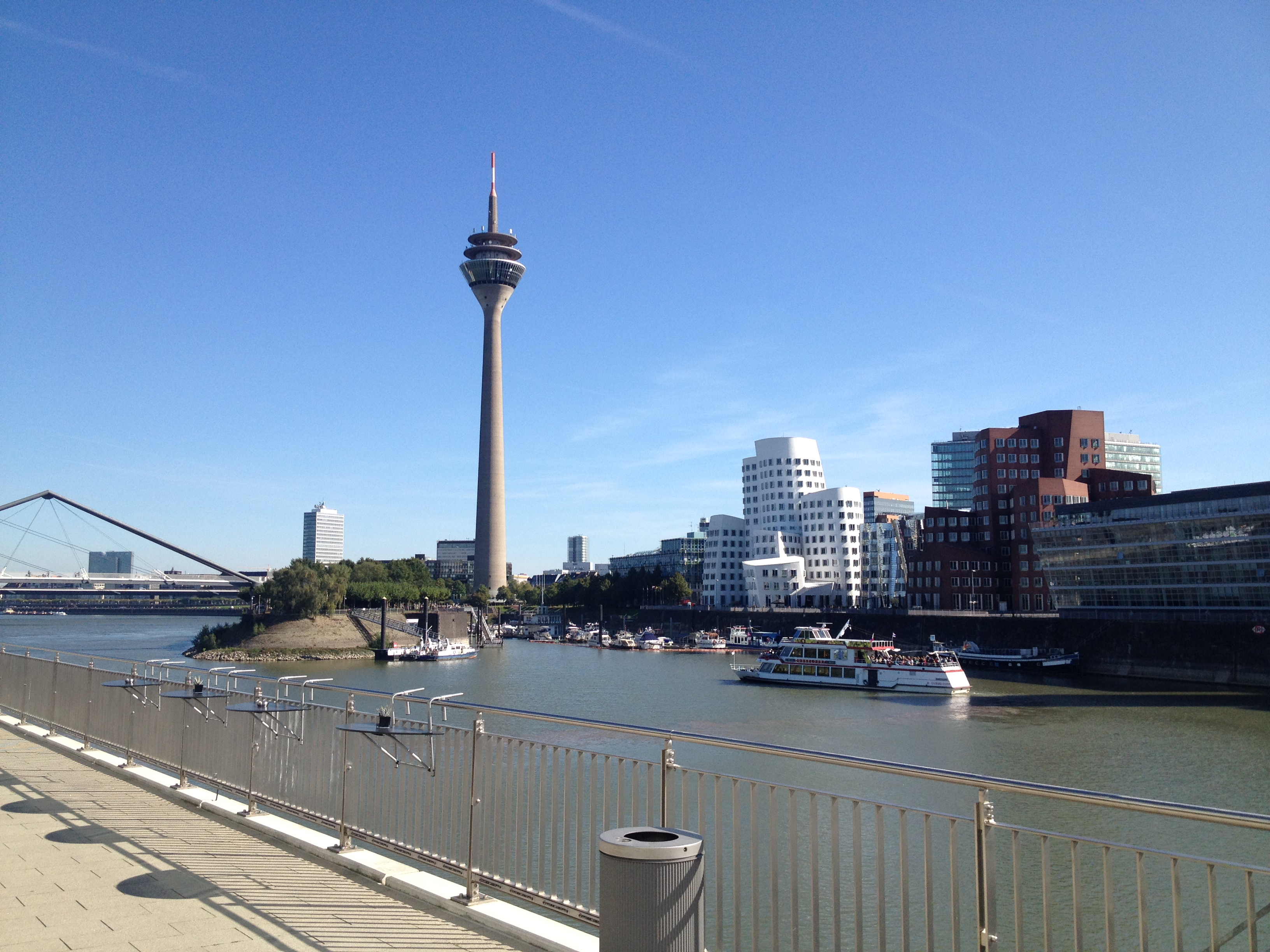 Hafen und Fernsehturm